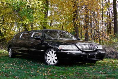 6 Passenger Lincoln Stretch Limousine